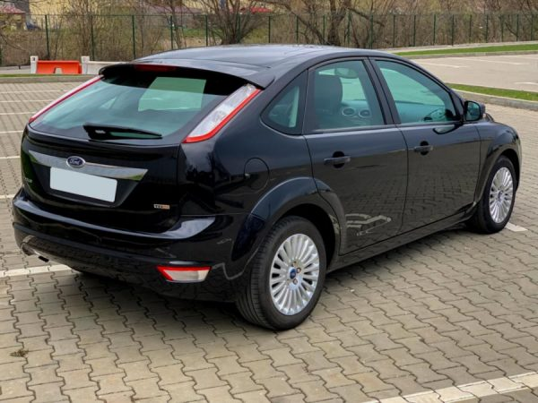 ford-focus-masini-de-inchiriat-04