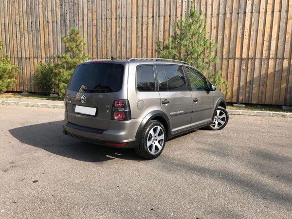 inchirieri-auto-cluj-pret-ieftin-touran-03